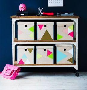 Triangulos de papel autoadhesivo para decorar cajas