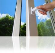 Ventile su vivienda antes de una visita, dando un soplo de aire fresco a su hogar.