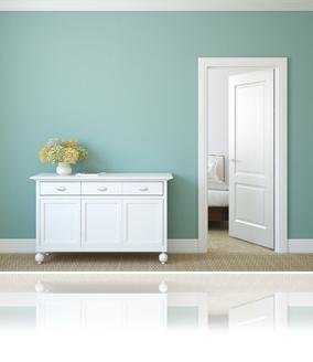 Paredes recién pintadas y sin agujeros harán lucir más a toda la habitación