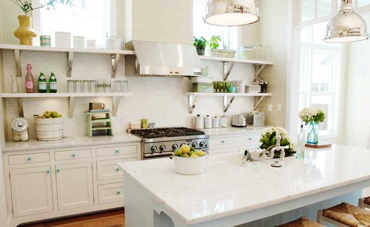 10 maneras asombrosas para mejorar cocinas peque as for Estanterias cocinas pequenas
